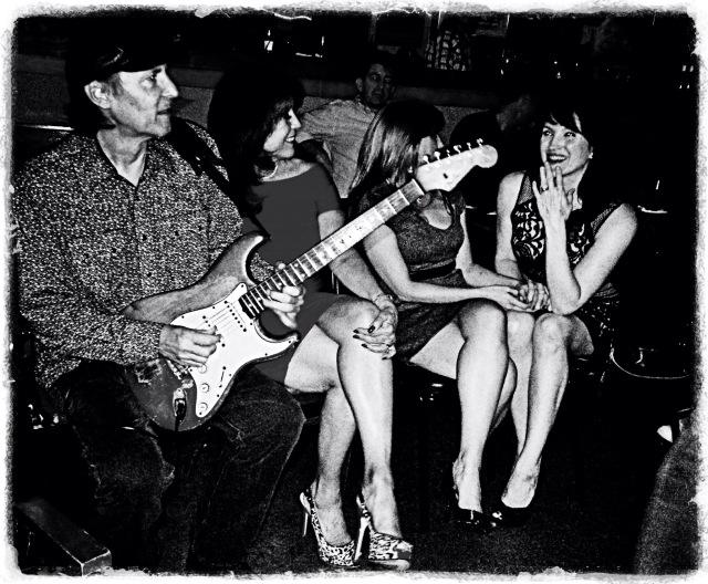 Alan Haynes playin' for the ladies. The Big Easy Social Club. Houston, Texas